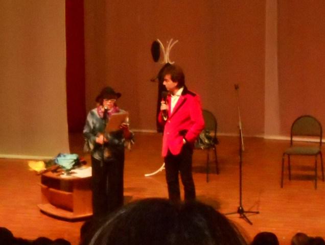 НОВОСТИ - В Кунгуре вместо пародистов Александра и Валерия Пономаренко выступил юморист Геннадий Ветров