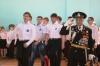 В честь Дня Победы ученики гимназии № 16 в Кунгуре шагают строем и поют армейские песни