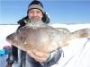 На соревнованиях кунгурских рыбаков спецпризом стал огромный окунь